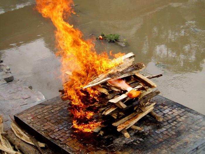 082416_0855_Cremation1